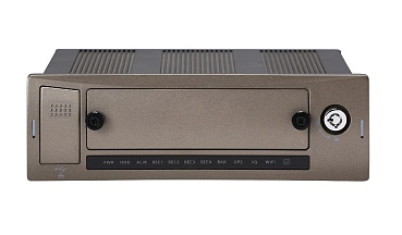 Автомобильный видеорегистратор RVi-RM04B